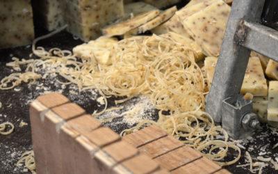 Hundepflege: Zu Besuch in der Seifenküche der LindGrow Manufaktur